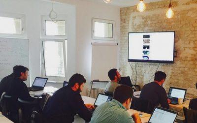 Devugees – Geflüchtete zu Web-Developern ausbilden.